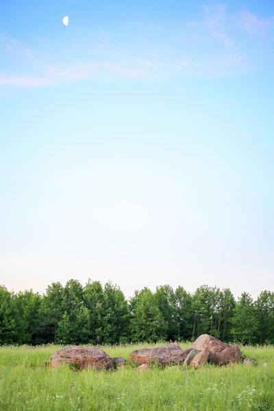 Луна над каменной россыпью в окрестностях «Камяней».